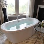 夏の半身浴は冬よりも気持ちいい!低い温度で長い時間入っていられる♪