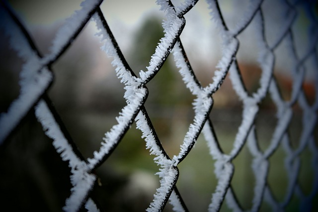 fence-230599_640