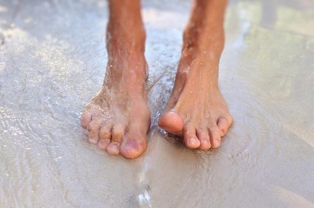 feet-1176612_640
